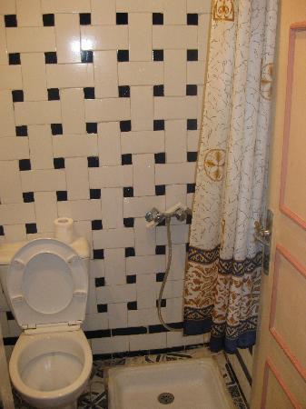 Hotel Volubilis: Lavabo...suico, sin usar aún...
