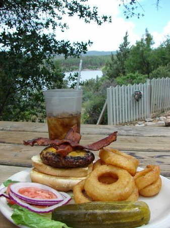 Lynx Lake Store Cafe: Some american food