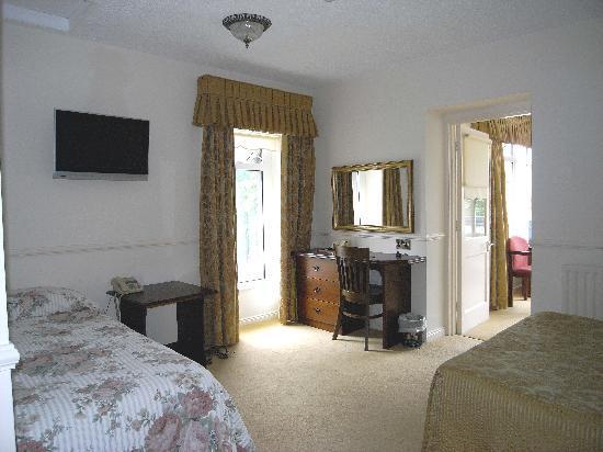 The Bushtown Hotel: The family room!