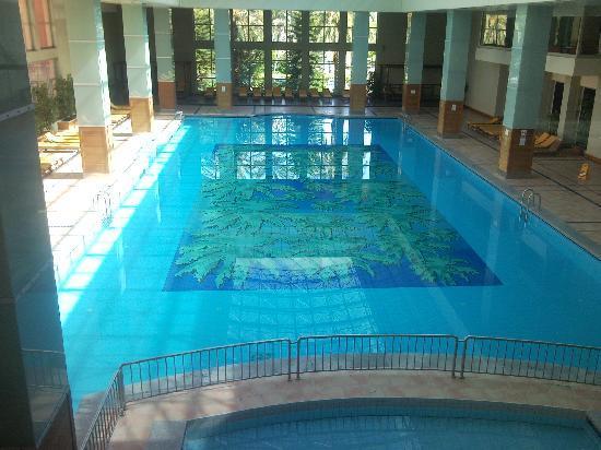 Pegasos World Hotel: Huge indoor pool.