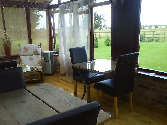 The Firs Bed & Breakfast: Conservatory where you have breakfast