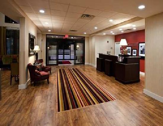 Hampton Inn & Suites Panama City Beach-Pier Park Area: Entrance Interior