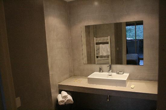 Levie, France : Bathroom
