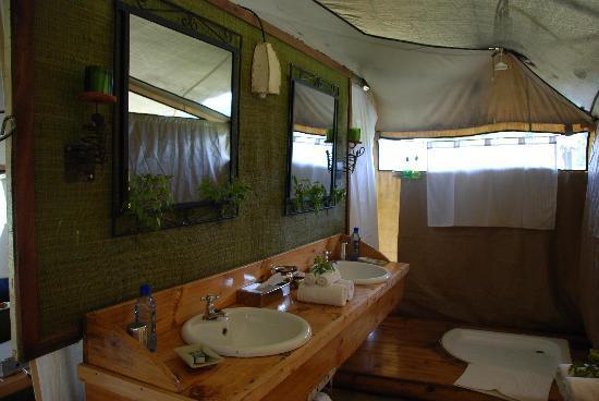 Sayari C& Asilia Africa tentu0027s bathroom & tentu0027s bathroom - Picture of Sayari Camp Asilia Africa Serengeti ...