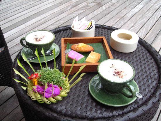 อุบุด แฮงกิ้งการ์เดนส์ บาย โอเรียนท์เอ็กซ์เพรส: afternoon tea/coffee