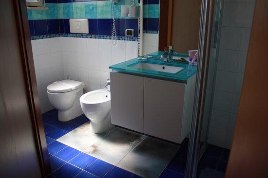 Toilette bild von hotel piccadilly santa maria al bagno - Hotel corallo santa maria al bagno ...