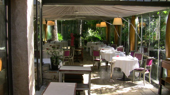 La terrasse bambou photo de le moulin de mougins for Le jardin restaurant mougins