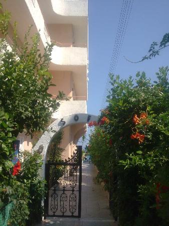 Sofi Beach Studios Hotel: Entrance to Sofi Beach Studios
