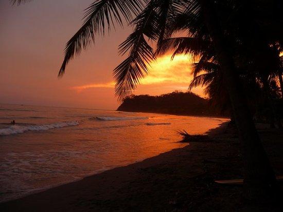 Плайя-Самара, Коста-Рика: Sonnenuntergang in Samara