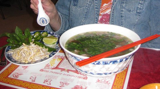 Vientiane Restaurant: Fresh & flavorful pho (beef noodle soup) at Vientiane in Grand Island