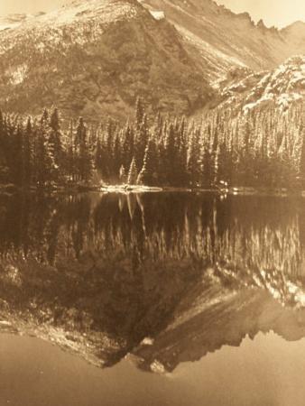 Rocky Mountain National Park, โคโลราโด: Bear Lake in sepia