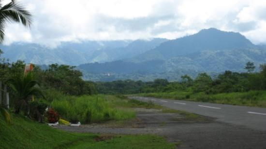 Quepos, Costa Rica: The runway