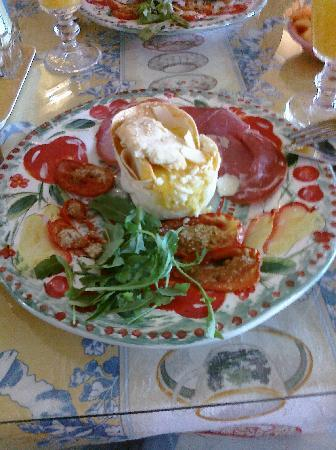 The Harbour Cottage Inn: amazing breakfast