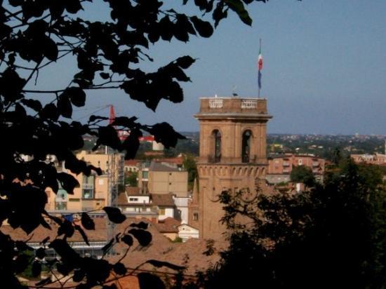 Cesena, Ιταλία: Il Palazzo Del Capitano visto dalla Rocca