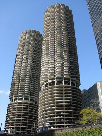 Chicago, IL: Marina City Towers