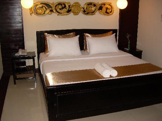 The Kool Hotel: Bedroom