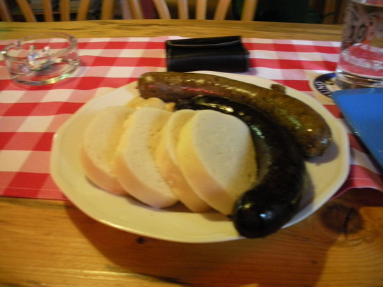 Am Fass: Blood and Liver Sausages with Bread