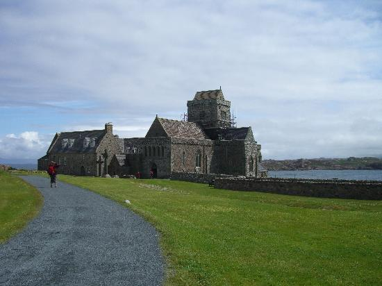 Craignure, UK: Iona Abbey