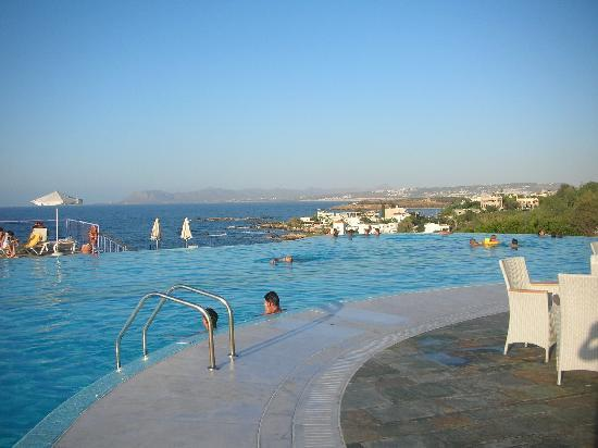 Galatas, Greece: Infinity pool