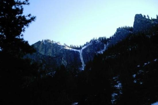 Bridalveil Falls: Yosemite Trip 2 January 2007: Frozen Falls.