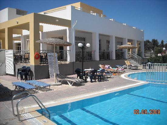 بايلي باي هوتل: piscina 2