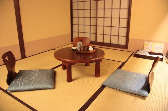 Matsubaya Inn: Servizio da tè in camera