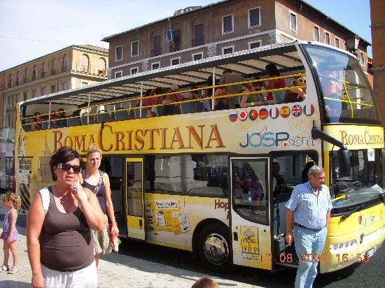 La Papessa: ACity Tour Bus
