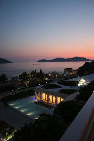 Sun Gardens Dubrovnik: Sunset view from Origano restauraunt