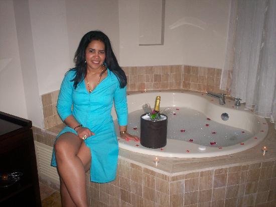 Majestic Elegance Punta Cana: jacuzzy romantico preparado por angel