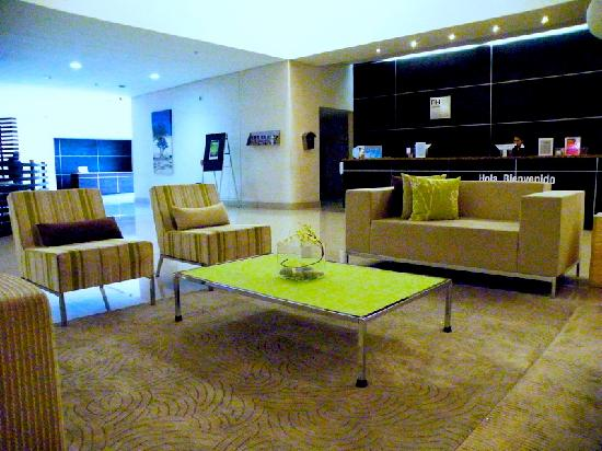 NH Collection Monterrey: the lobby