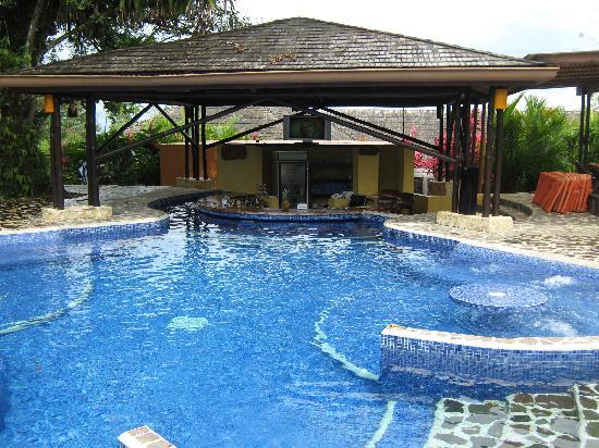 Nayara Resort Spa & Gardens: The Pool