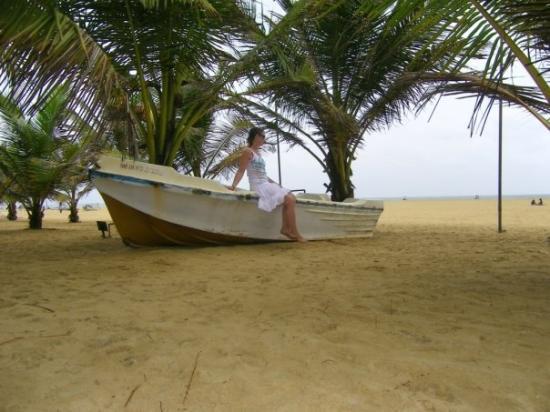 เนกอมโบ, ศรีลังกา: first day at the beach