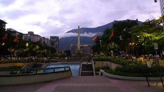 """Πλατεία """"Plaza de Altamira"""""""