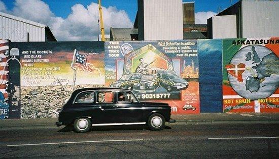 Resultado de imagen para black taxi tour