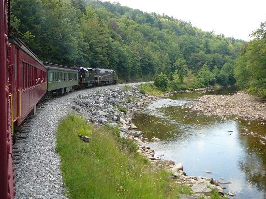 Durbin Greenbrier Valley Railroad: around a curve