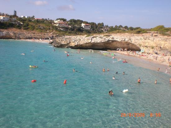HSM Calas Park: the nearby cala domingos beach..