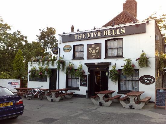West Drayton, UK : Another local pub - the Five Bells, Harmondsworth