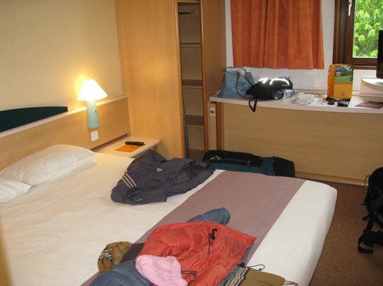 Ibis Périgueux Centre : bedroom