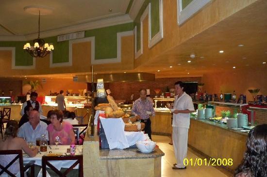 Sandos Playacar Beach Resort: restaurant italiano
