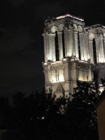 ปารีส, ฝรั่งเศส: the view out our hotel window