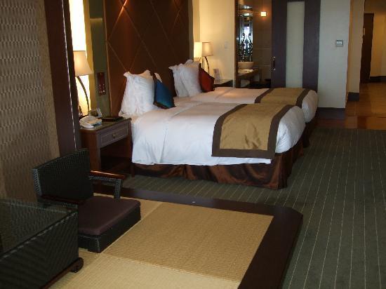 Okinawa Spa Resort EXES : 室内