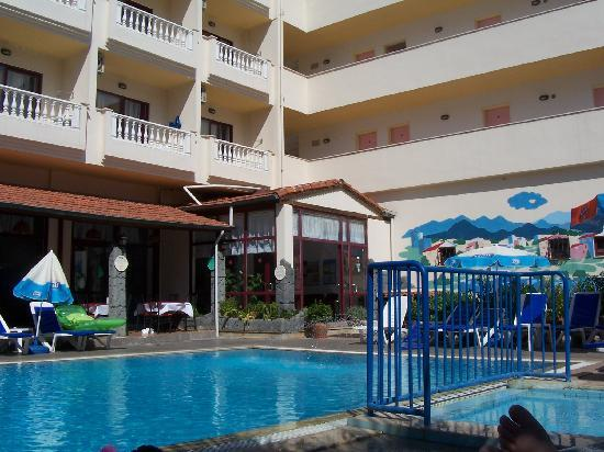 Hotel Kivilcim: view of the pool (60persons )