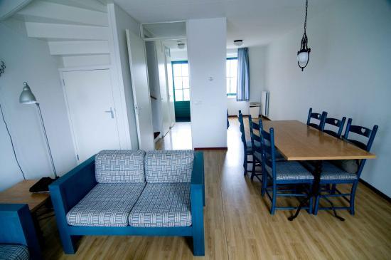 Marinapark Volendam: salon cocina entrada