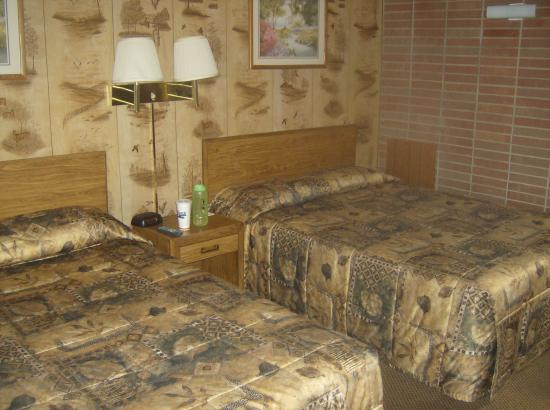 Stage Coach Motel: comffortable beds, good lighting