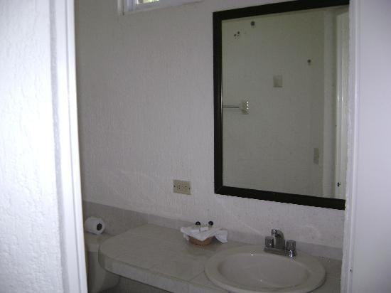Hotel Labnah: Baño