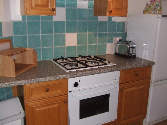 Radnor Guest House: Kitchen 2