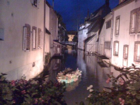 """jetzt schlafen gehen im """"Venise du Gatinais"""" - Montargis.. Allen eine gute Nacht hier aus dem He"""