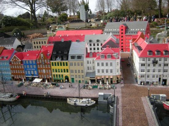 บิลลันด์, เดนมาร์ก: part of Copenhagen ... all made of Lego