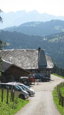 Fribourg, Suiza: Buvette Incrota, above Les Paccots, Switzerland, August, 2009