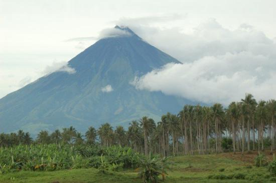 Legazpi, Philippines: Another view of the Mayon Volcano